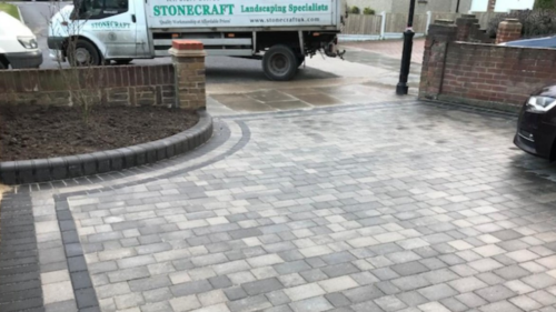 We provide professional Block paving services, hard landscaping, pathways, driveway and patio laying in Billericay